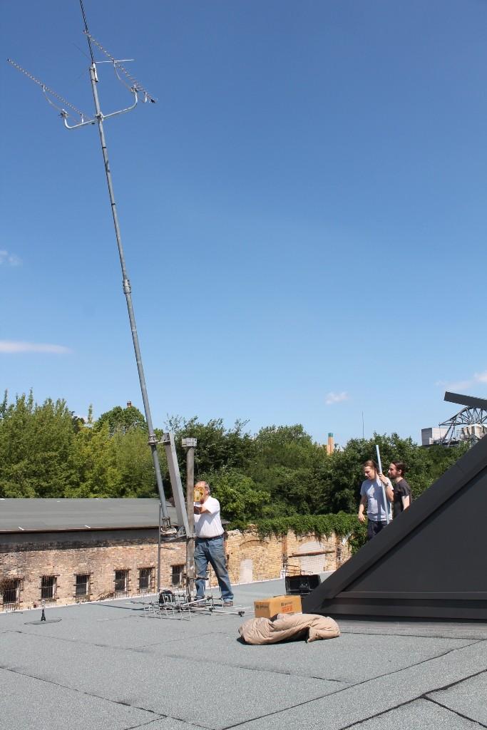 Acht Meter hoch ragt sie über das Dach der Ausstellungshallen